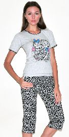 Домашний костюм - серая футболка и черно-белые пятнистые бриджи. Арт.05140188